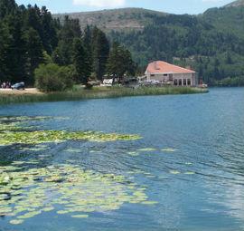 Bolu nun en güzel manzaralarını gözler önüne seren abant gölü